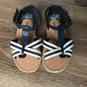 Girls size 8 sandals